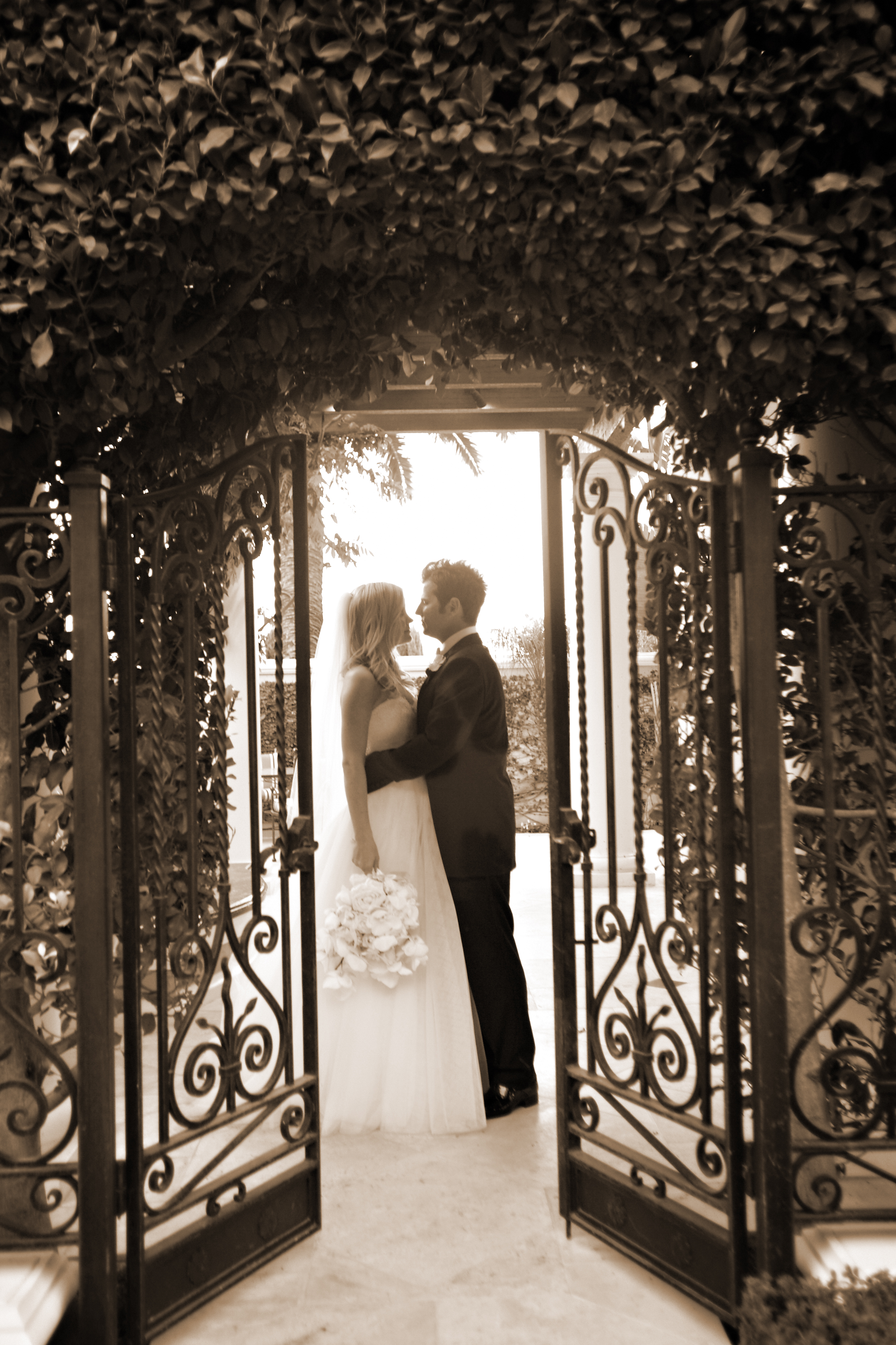 romantic-montecito-estate-wedding-portrait